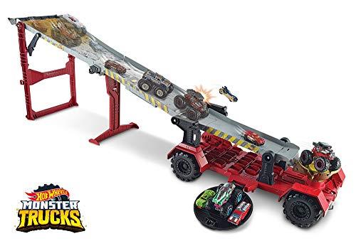 Hot Wheels Monster Trucks Downhill Race & GO Play Set