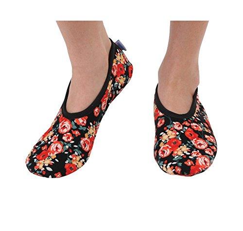 Snoozies Women's Lightweight Floral Plush Slipper Socks (Medium, Roses are Red)