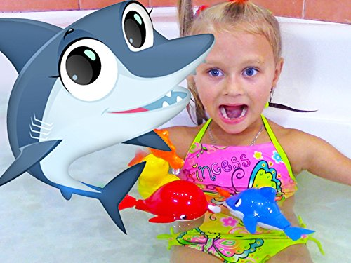 Learn colors - Bath time with Baby Shark